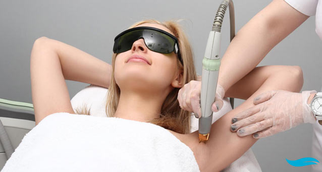 7 Key Laser Hair Removal Tips | Woman getting laser hair removal | Jiva Spa Toronto anti aging facials beauty spa salon skin rejuvenation medispa