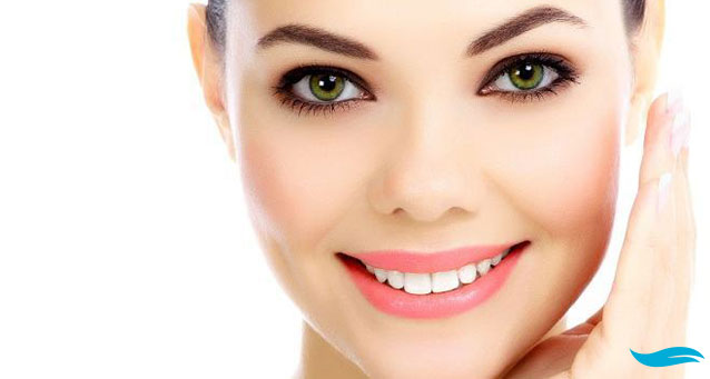Importance of knowing the difference between Botox Vs. Juvederm | lady flapping her hair in front of the sun | Jiva Spa Toronto anti aging facials beauty spa salon skin rejuvenation medispa